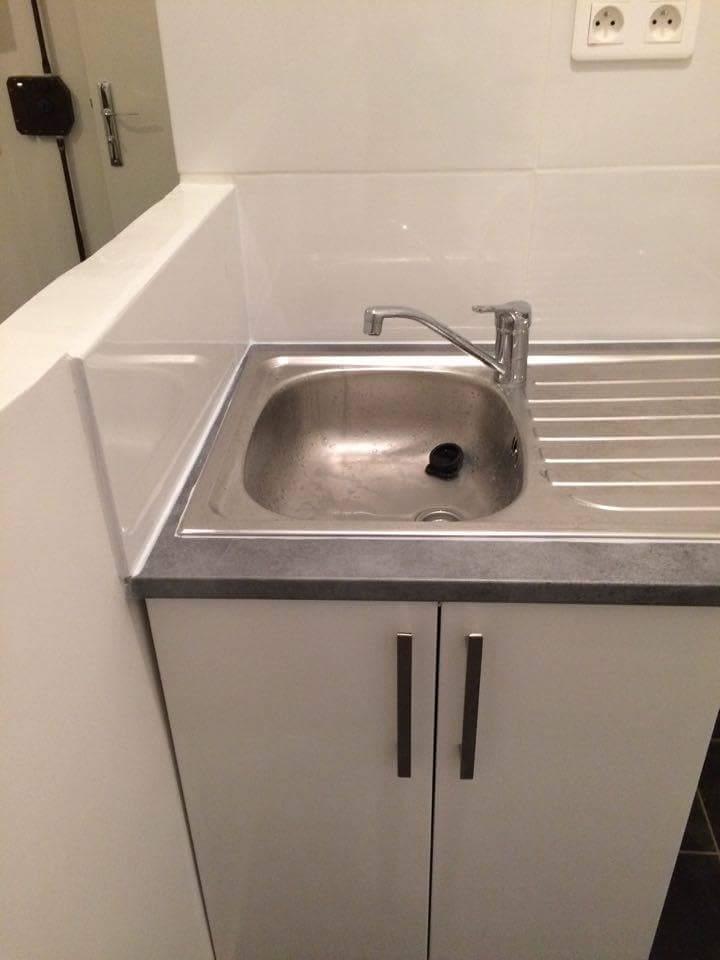 Travaux-de-renovation-11-betonnage-menuiserie-plomberie-electricite-carrelage-d'un-studio-cuisine-salon-et-salle-de-bain-wc-realise-par-entreprise-texas-batiment-qualifie-rge