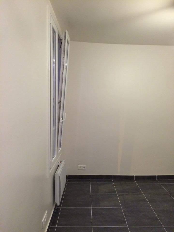 Travaux-de-renovation-16-betonnage-menuiserie-plomberie-electricite-carrelage-d'un-studio-cuisine-salon-et-salle-de-bain-wc-realise-par-entreprise-texas-batiment-qualifie-rge