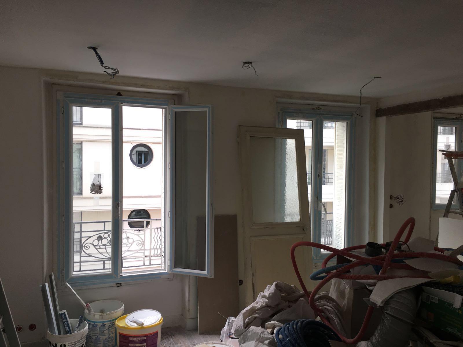 Travaux-de-renovation-a-Asnieres-d'un-studio-0 (2)-pose-de-carrelage-toile-de-verre-peinture-plomberie-electricite-menuiserie-texas-batiment-rge-min