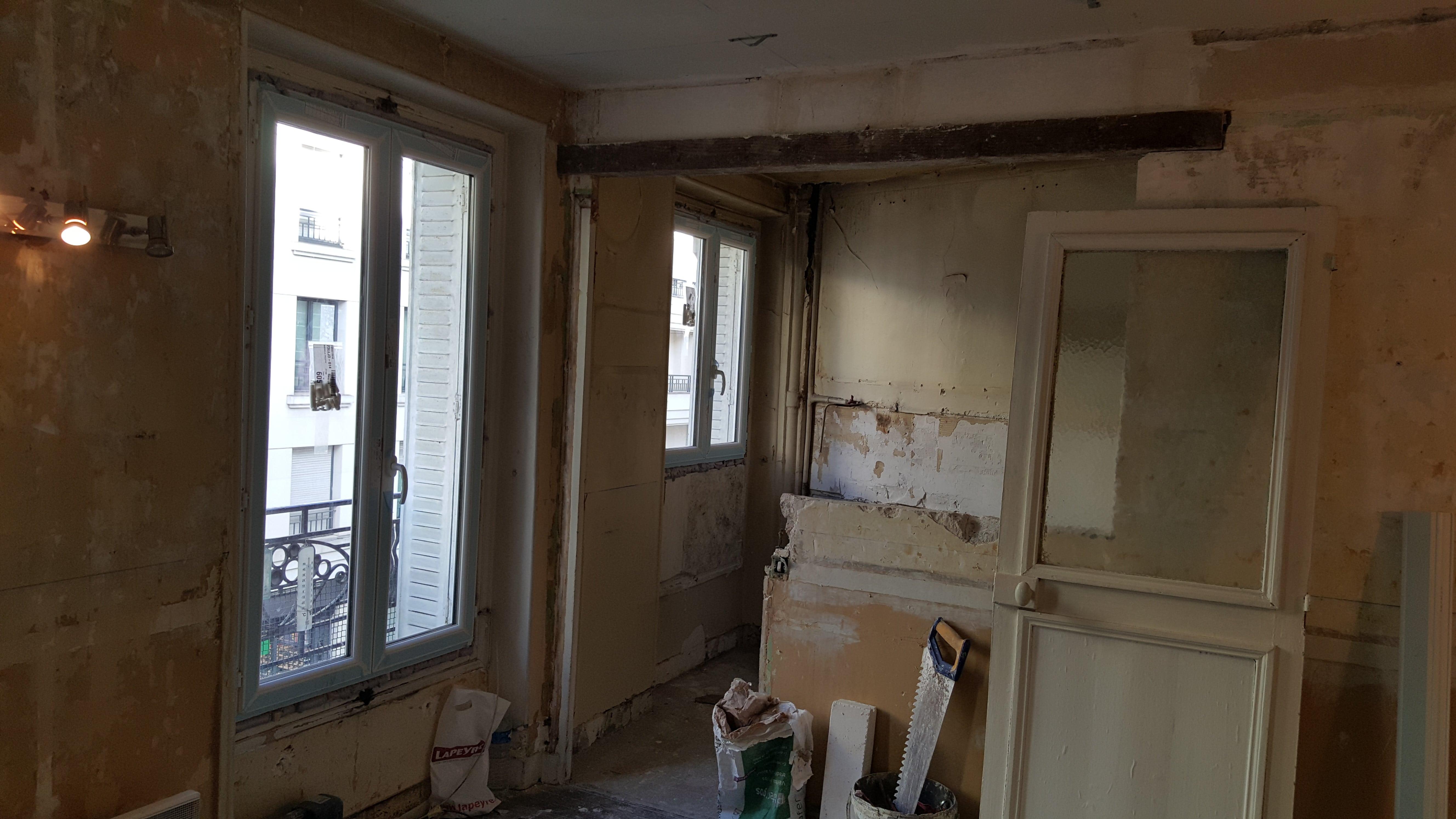 Travaux-de-renovation-a-Asnieres-d'un-studio-2-pose-de-carrelage-toile-de-verre-peinture-plomberie-electricite-cuisine-texas-batiment-rge-min