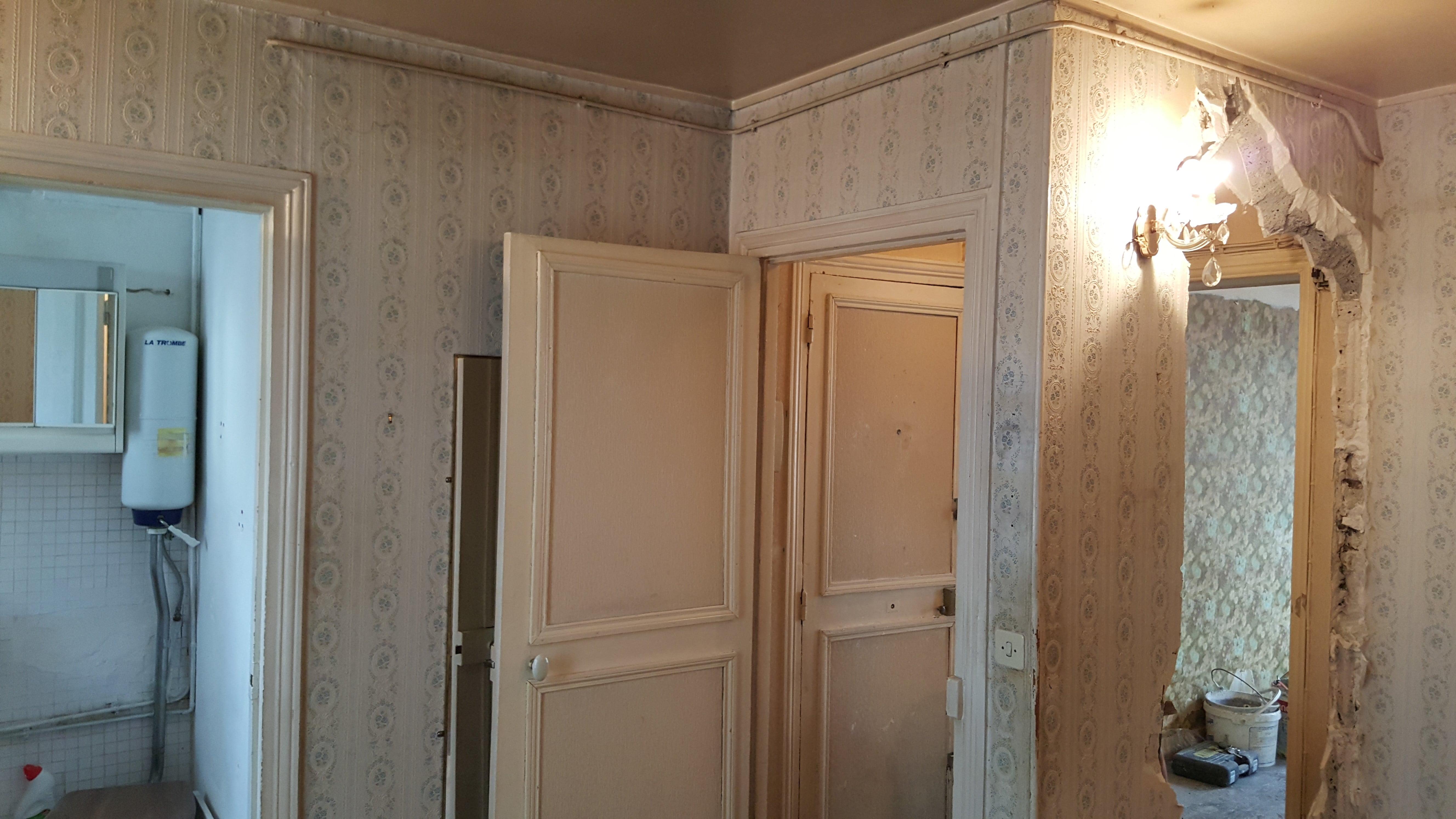 Travaux-de-renovation-a-Asnieres-d'un-studio-7-pose-de-carrelage-toile-de-verre-peinture-plomberie-electricite-texas-batiment-rge-min