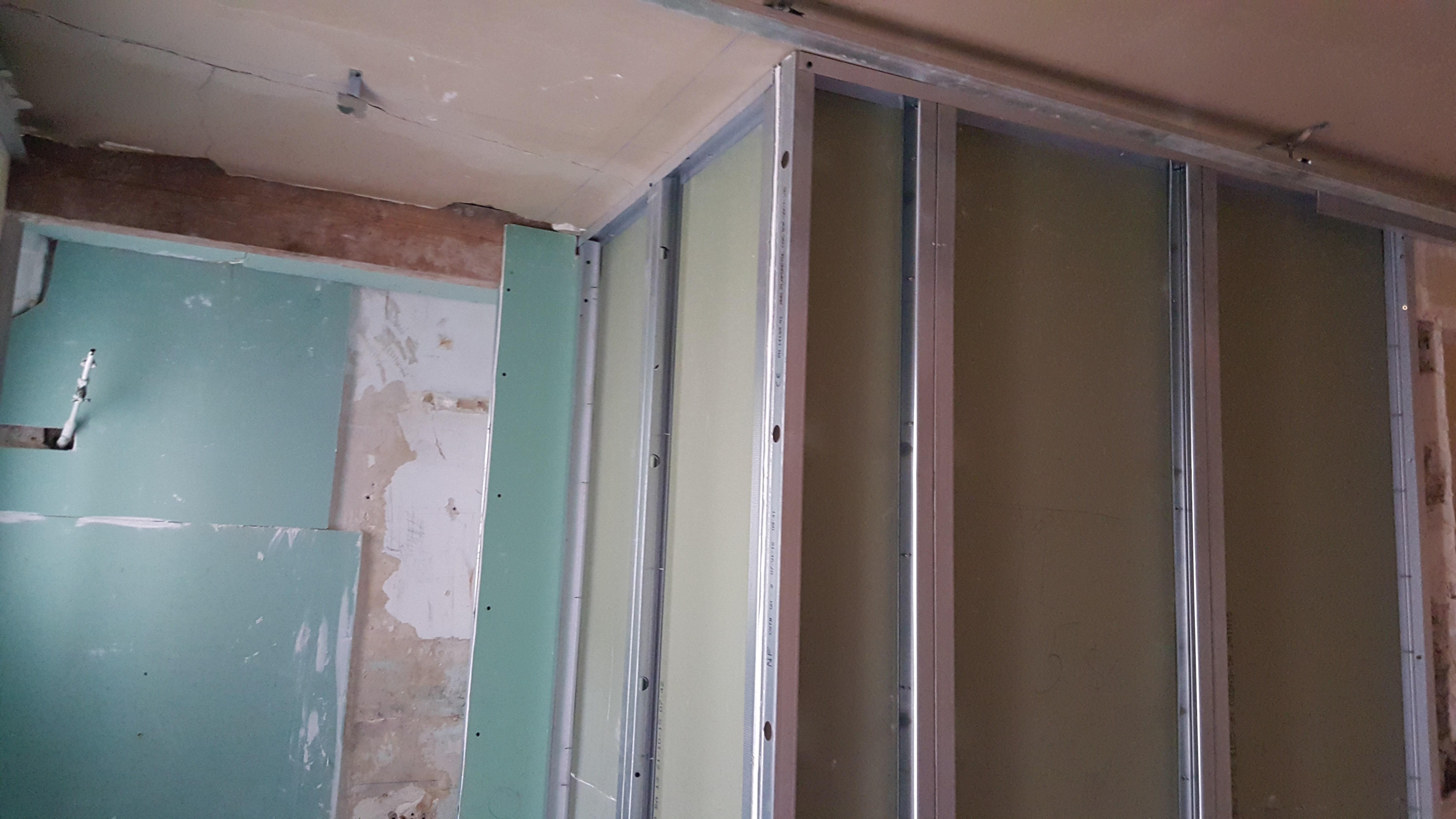 Travaux-de-renovation-a-Asnieres-d'un-studio-8-pose-de-carrelage-toile-de-verre-peinture-plomberie-electricite-texas-batiment-rge-min