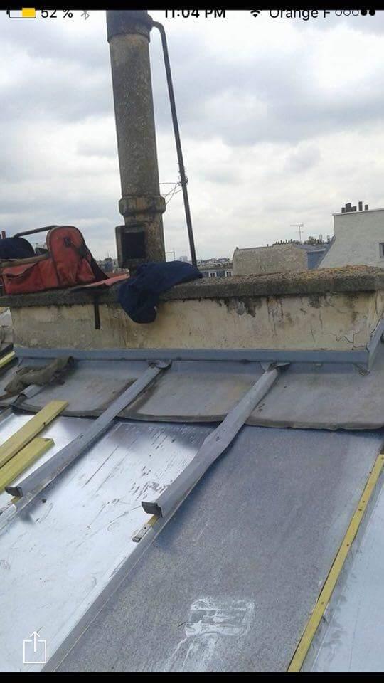 Travaux-de-toiture-couverture-0-renovation-une-cheminee-souches-pour-bonne-etancheite-du-conduit-et-resistance-texas-batiment-certifie-rge-min