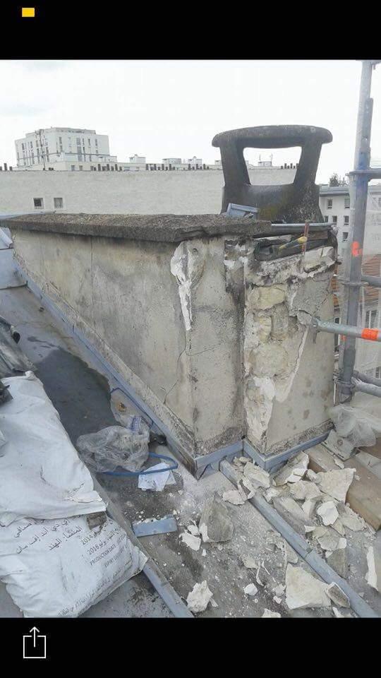 Travaux-de-toiture-couverture-1-renovation-une-cheminee-souches-pour-bonne-etancheite-du-conduit-et-resistance-texas-batiment-certifie-rge-min