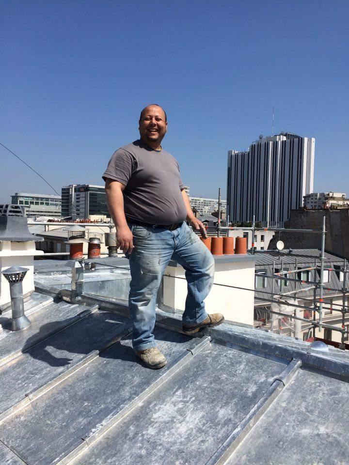 Travaux-de-toiture-couverture-28-renovation-une-cheminee-souches-pour-bonne-etancheite-du-conduit-et-resistance-texas-batiment-certifie-rge-soliman-mohamed-min