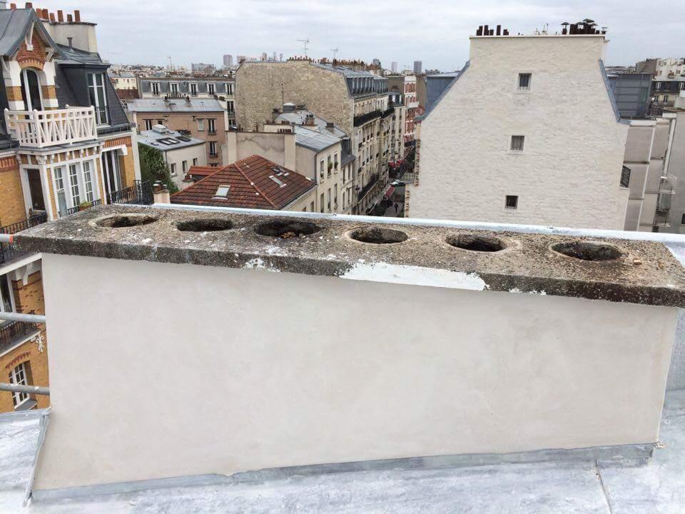 Travaux-de-toiture-couverture-3-renovation-une-cheminee-souches-pour-bonne-etancheite-du-conduit-et-resistance-texas-batiment-certifie-rge-min