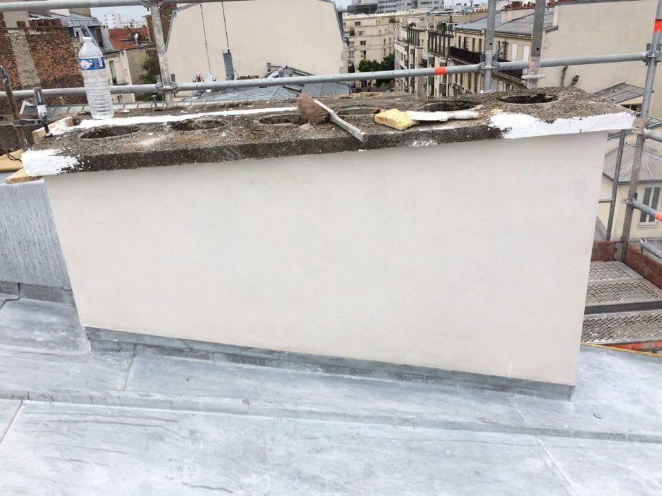 Travaux-de-toiture-couverture-4-renovation-une-cheminee-souches-pour-bonne-etancheite-du-conduit-et-resistance-texas-batiment-certifie-rge-min
