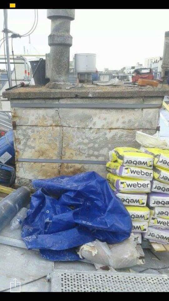Travaux-de-toiture-couverture-6-renovation-une-cheminee-souches-pour-bonne-etancheite-du-conduit-et-resistance-texas-batiment-certifie-rge-min