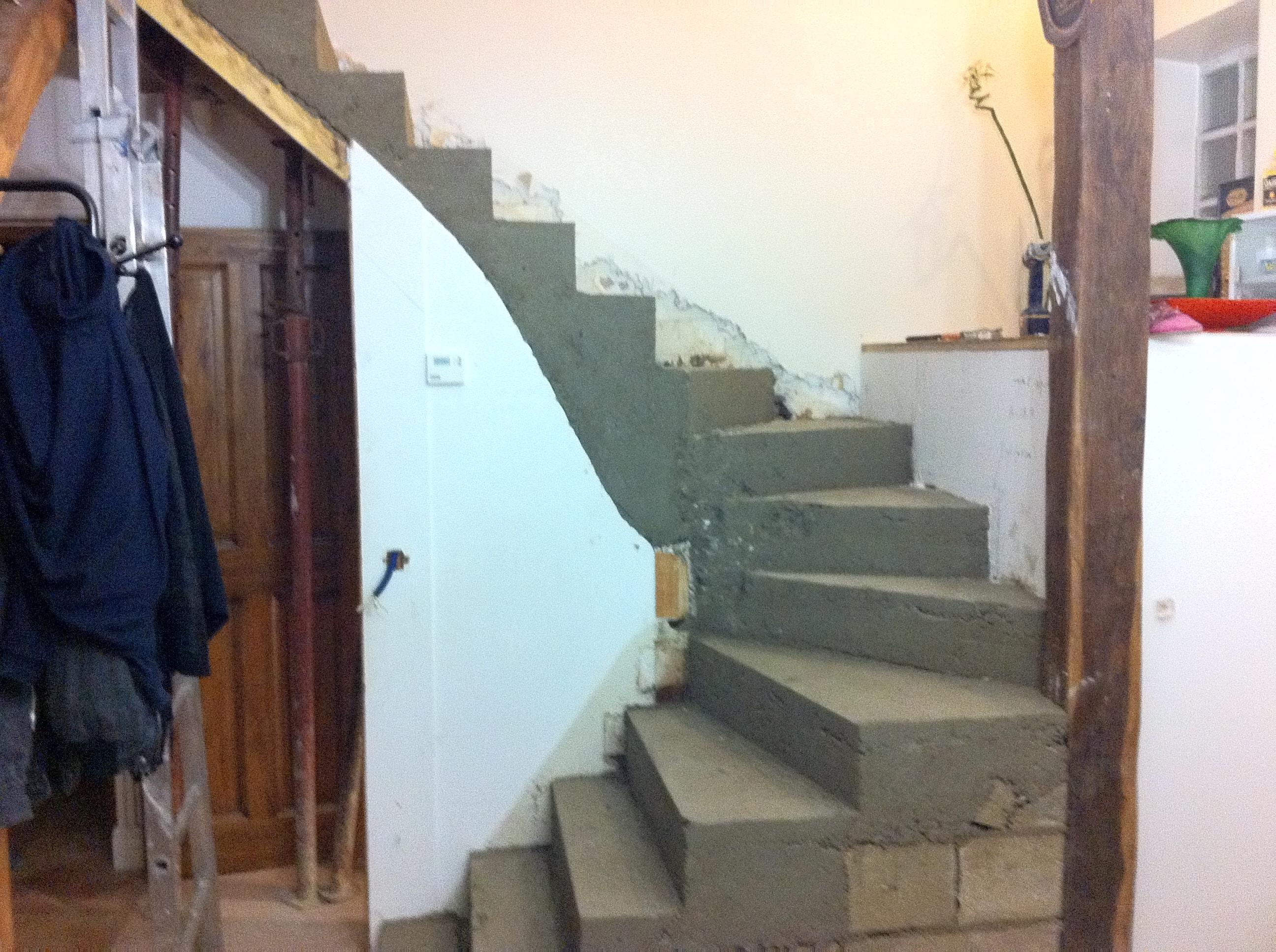 escalier-bois-11-travaux-creation-pendant-decoffrer-béton-texas-batiment-min