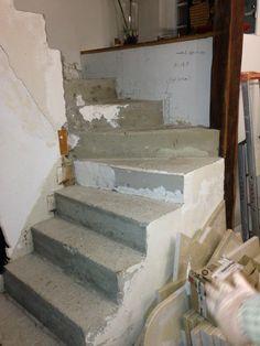 escalier-bois-14-travaux-pendant-decoffrer-béton-sec-texas-batiment-min
