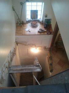 escalier-bois-3-travaux-creation-debut-coffrage-demolition-texas-batiment-min