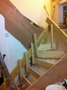 escalier-bois-6-travaux-creation-debut-coffrage-texas-batiment-min