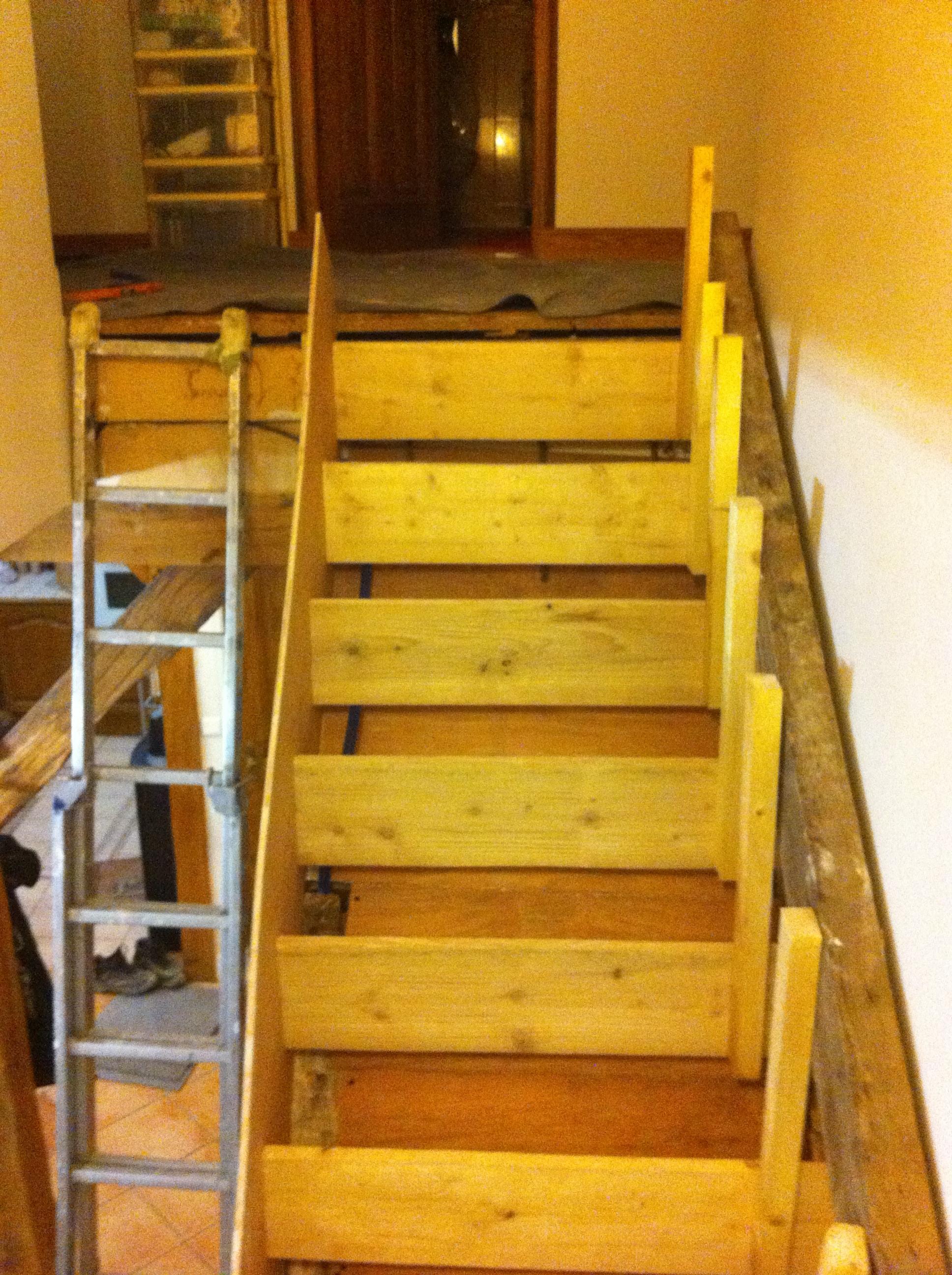 escalier-bois-7-travaux-creation-debut-coffrage-texas-batiment-min