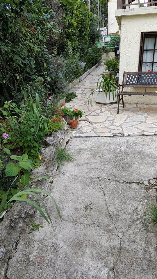 travaux-de-renovation-beton-decoratif-lave-desactive-graviers-galets-demolition-amenagement-exterieur-3.0-maghawry-texas-batiment-rge-min