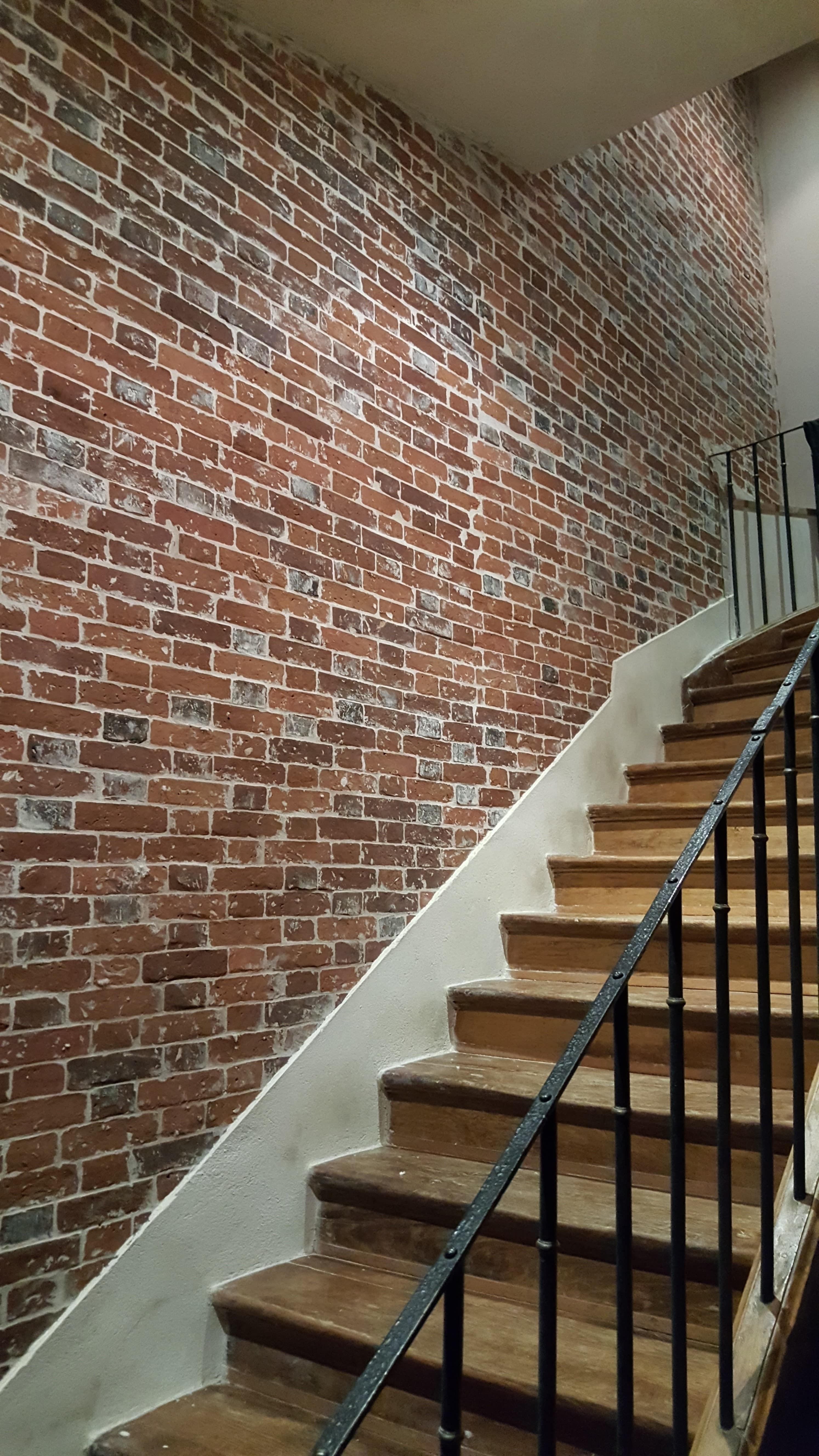 travaux-de-renovation-mur-de-brique-10-nettoyage-detachage-et-retapage-des-joints-societe-texas-batiment-min