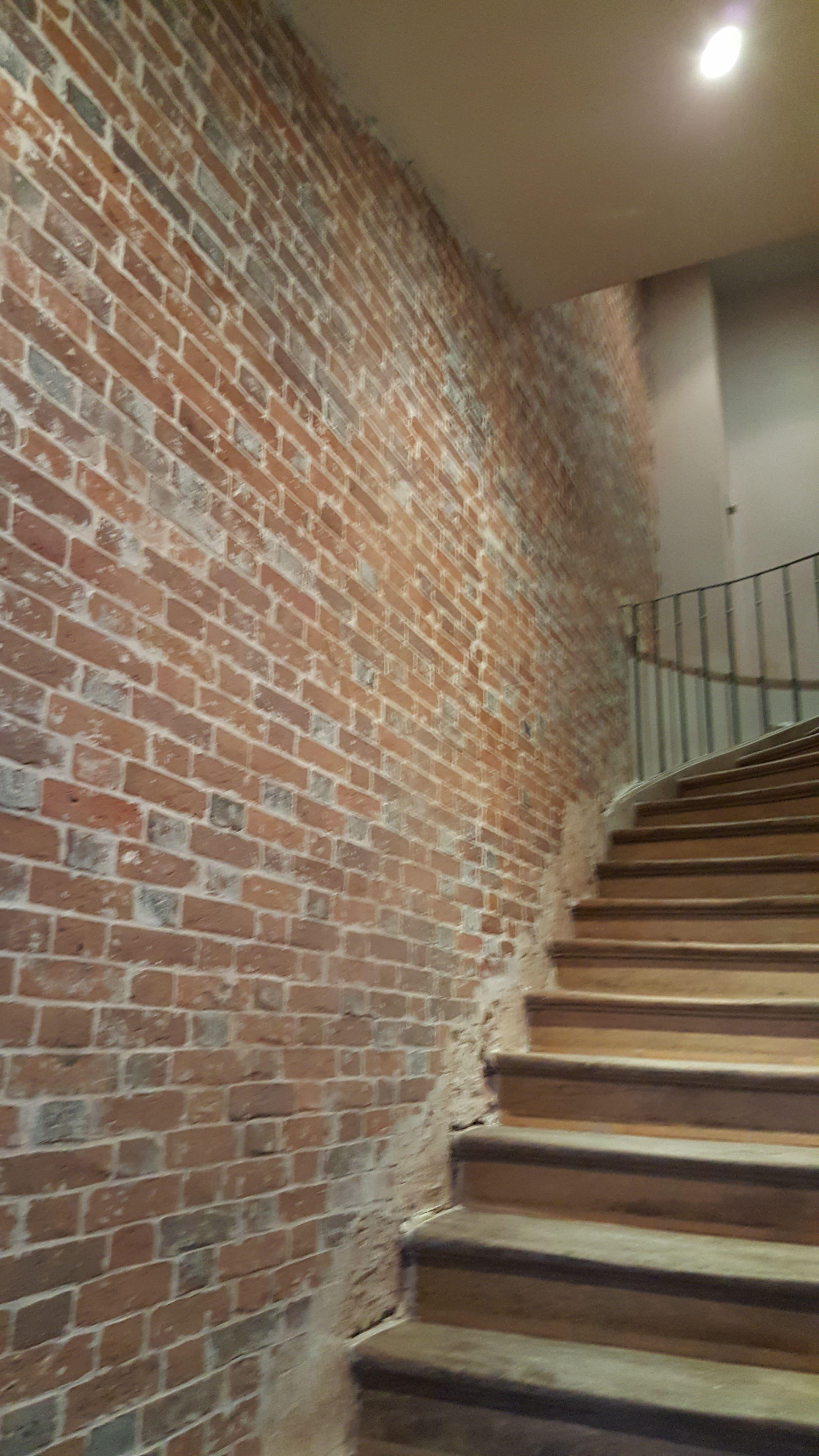 travaux-de-renovation-mur-de-brique-9-nettoyage-detachage-et-retapage-des-joints-societe-texas-batiment-min