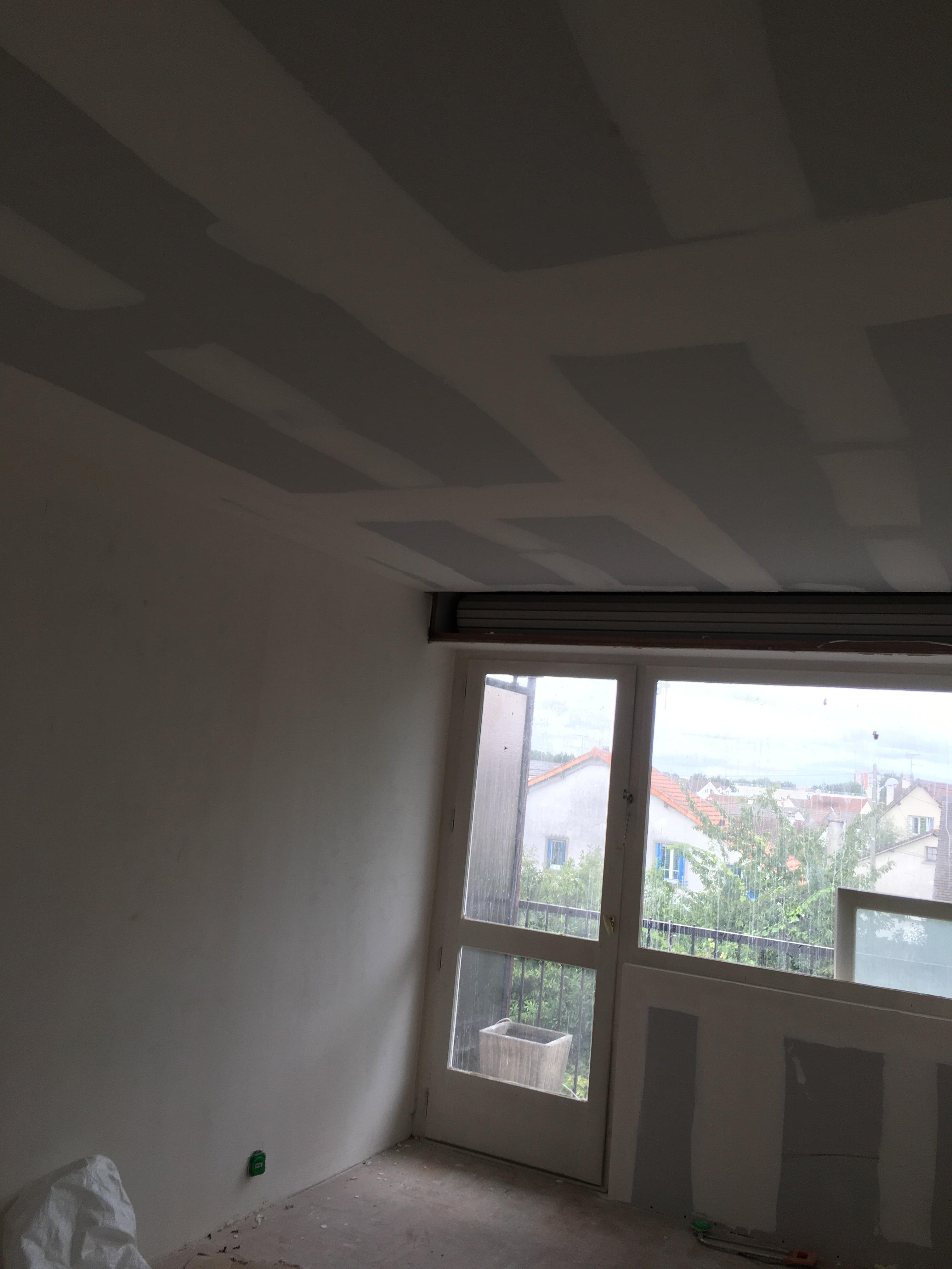 travaux-de-renovation-peinture-bande-enduit-menuiserie-platrerie-villiers-sur-marne-chambre-avec-balcon-c-1-maghawry-texas-batiment-rge-min