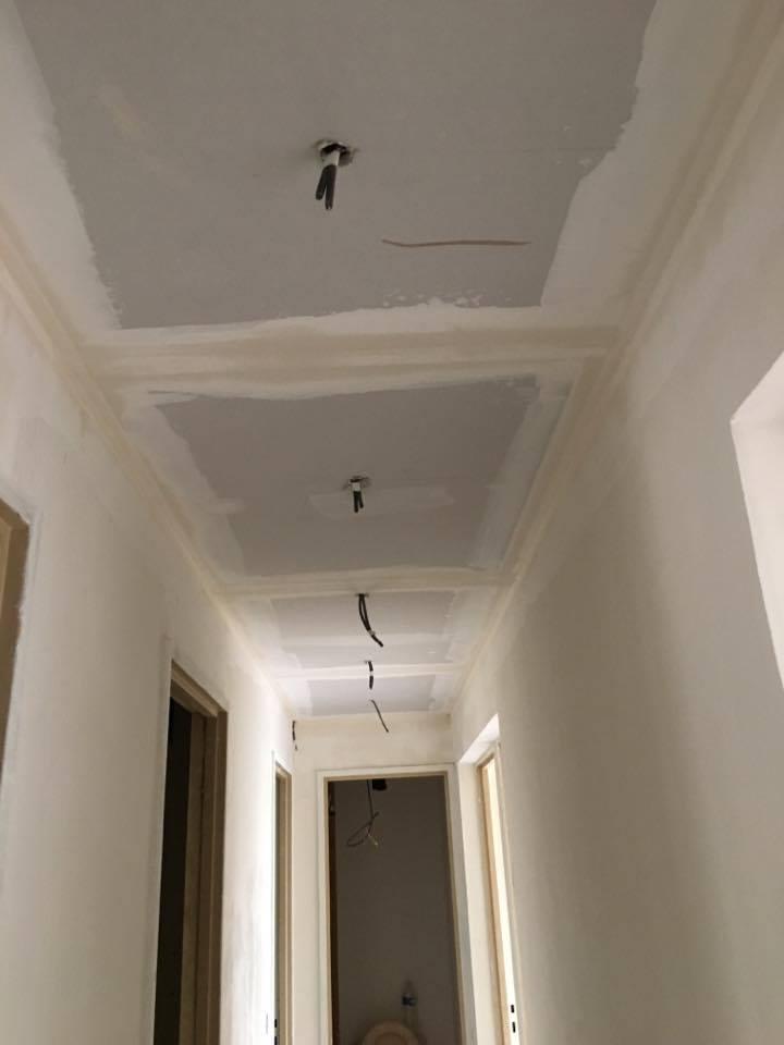 travaux-de-renovation-peinture-bande-enduit-menuiserie-platrerie-villiers-sur-marne-couloir-chambre-cuisine-wc-sdb-1-maghawry-texas-batiment-rge-min
