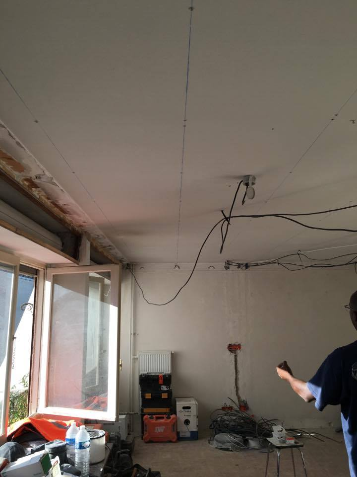 travaux-de-renovation-peinture-menuiserie-platrerie-villiers-sur-marne-salon-1-maghawry-texas-batiment-rge-min