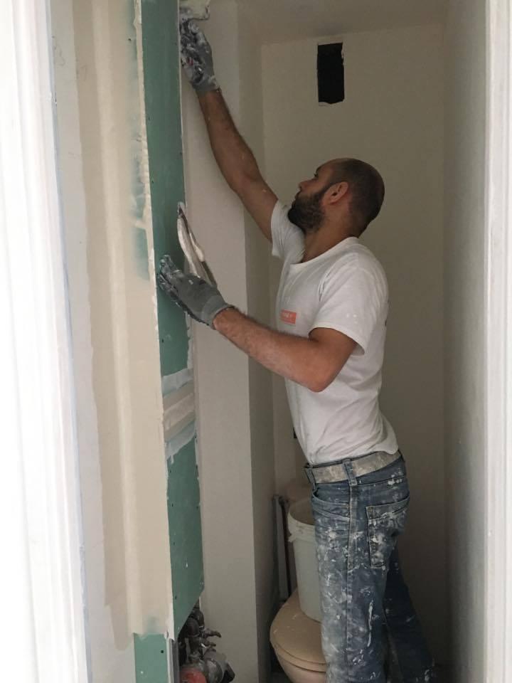 travaux-de-renovation-peinture-menuiserie-platrerie-villiers-sur-marne-toilette-wc-2-maghawry-texas-batiment-rge-min