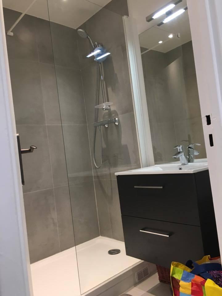travaux-de-renovation-peinture-plomberie-menuiserie-platrerie-villiers-sur-marne-salle-de-bain-vasque-baignoire-douche-suite-parentale-3-maghawry-texas-batiment-rge-min