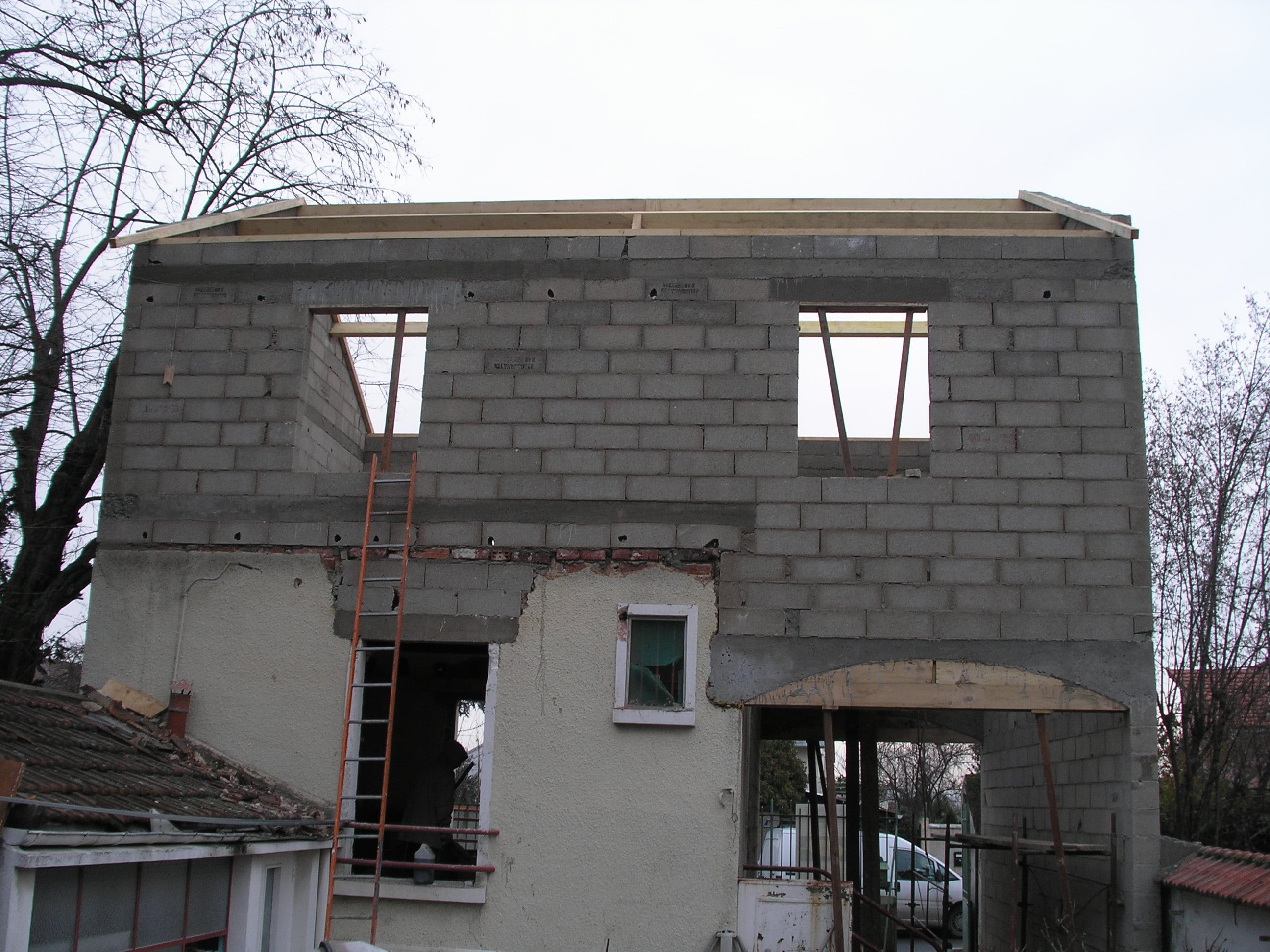 travaux-pavillon-18-demolition-agrandissement-couverture-ravalement-texas-batiment-min