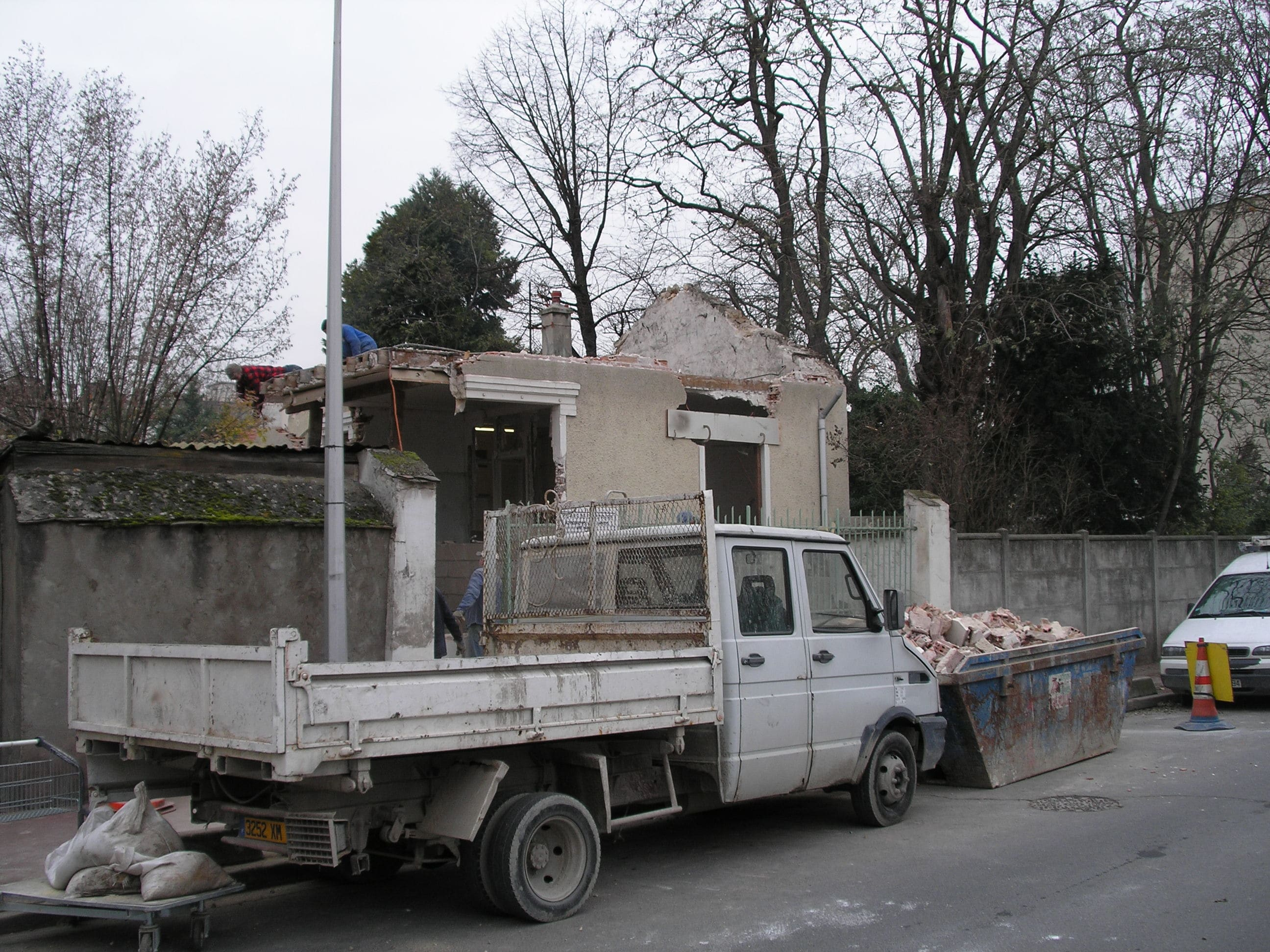 travaux-pavillon-2-demolition-agrandissement-couverture-ravalement-texas-batiment-min