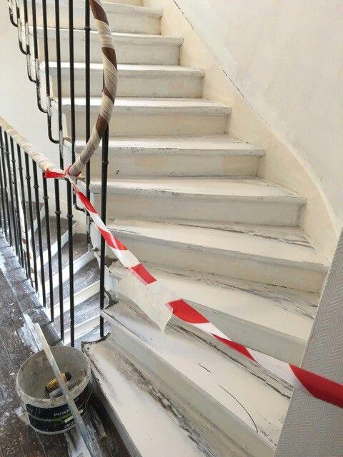 travaux-renovation-11-escalier-bois-peinture-immeuble-texas-batiment-min