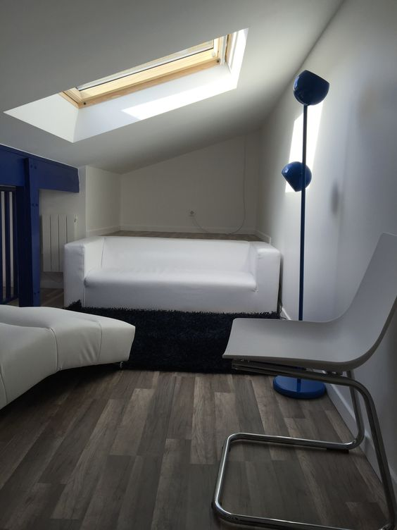 travaux-renovation-23-un-garage-en-studio-couverture-ravalement-mezzanine-peinture-plomberie-texas-batiment-min
