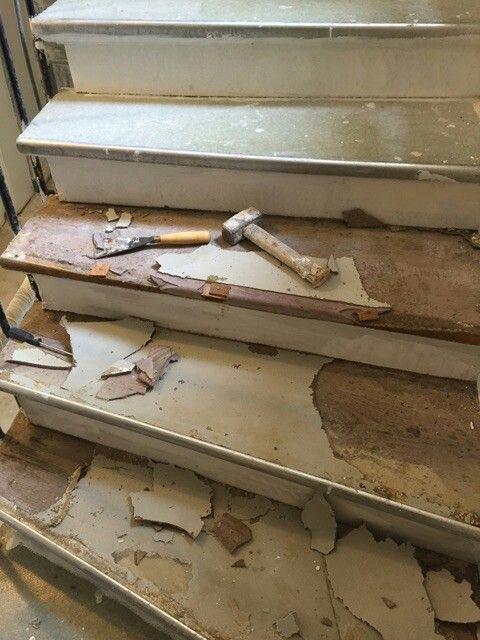 travaux-renovation-3-escalier-bois-peinture-immeuble-texas-batiment-min