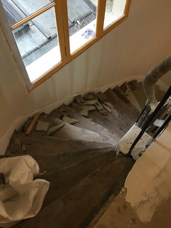 travaux-renovation-7-escalier-bois-peinture-immeuble-texas-batiment-min