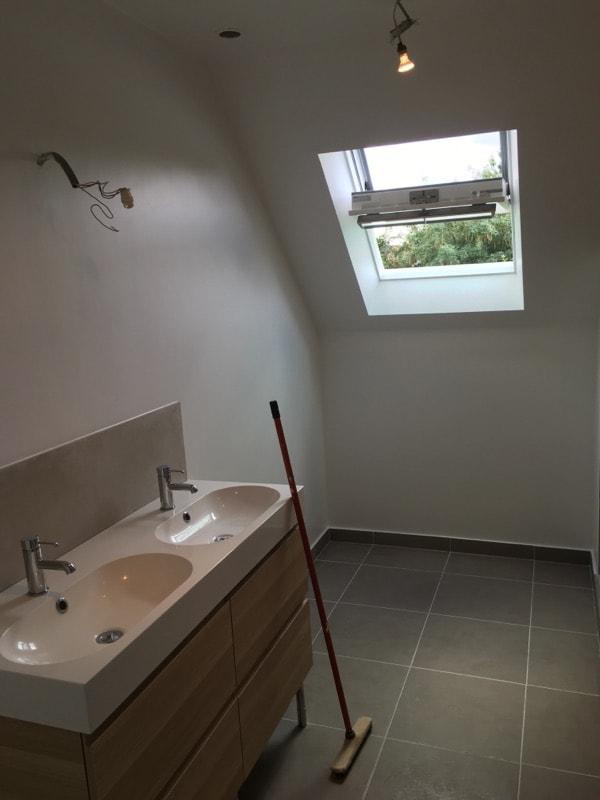 travaux-renovation-d'une-salle-de-bain-1-peinture-carrelage-plomberie-electricite-chantier-martexas-batiment-rge.jpg-min
