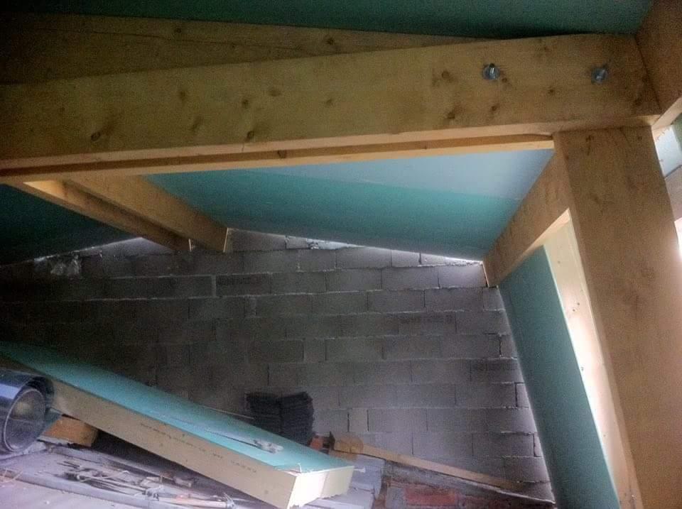 alforville-travaux-interieur-texas-batiment-rge-renovation-couverture-charpente-bois-doublage-x-min