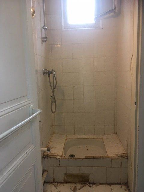 travaux-de-renovation-par-texas-batiment-rge-soliman-salle-de-bain-meuble-vasque-plomberie-electricite-carrelage-douche-italienne-0-min