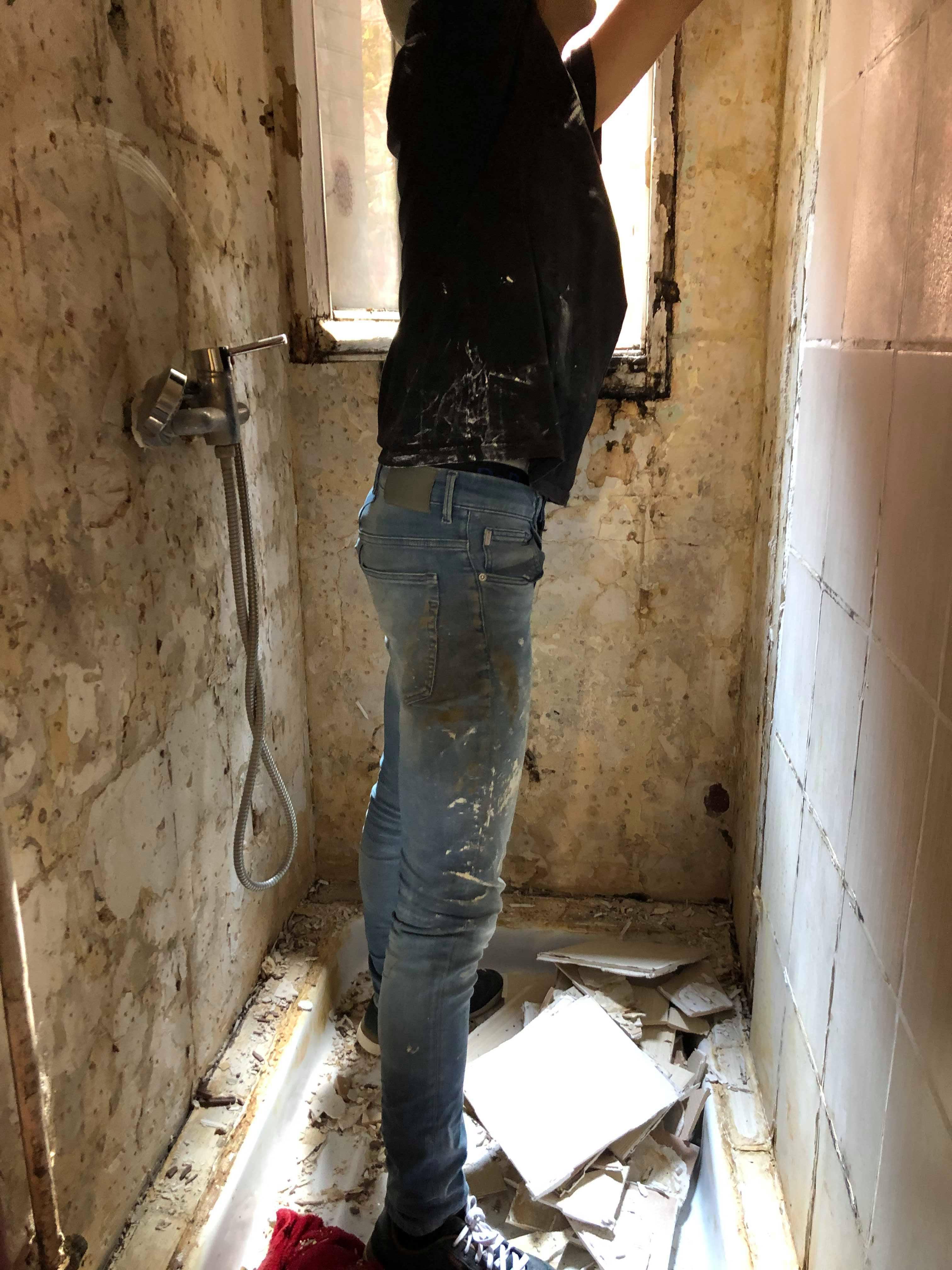 entreprise-generale-texas-batiment-mohamed-soliman-rge-travaux-renovation-salle-de-bain-carrelage-plomberie-douche-a-l-italienne-espace-moderne-sobre-5