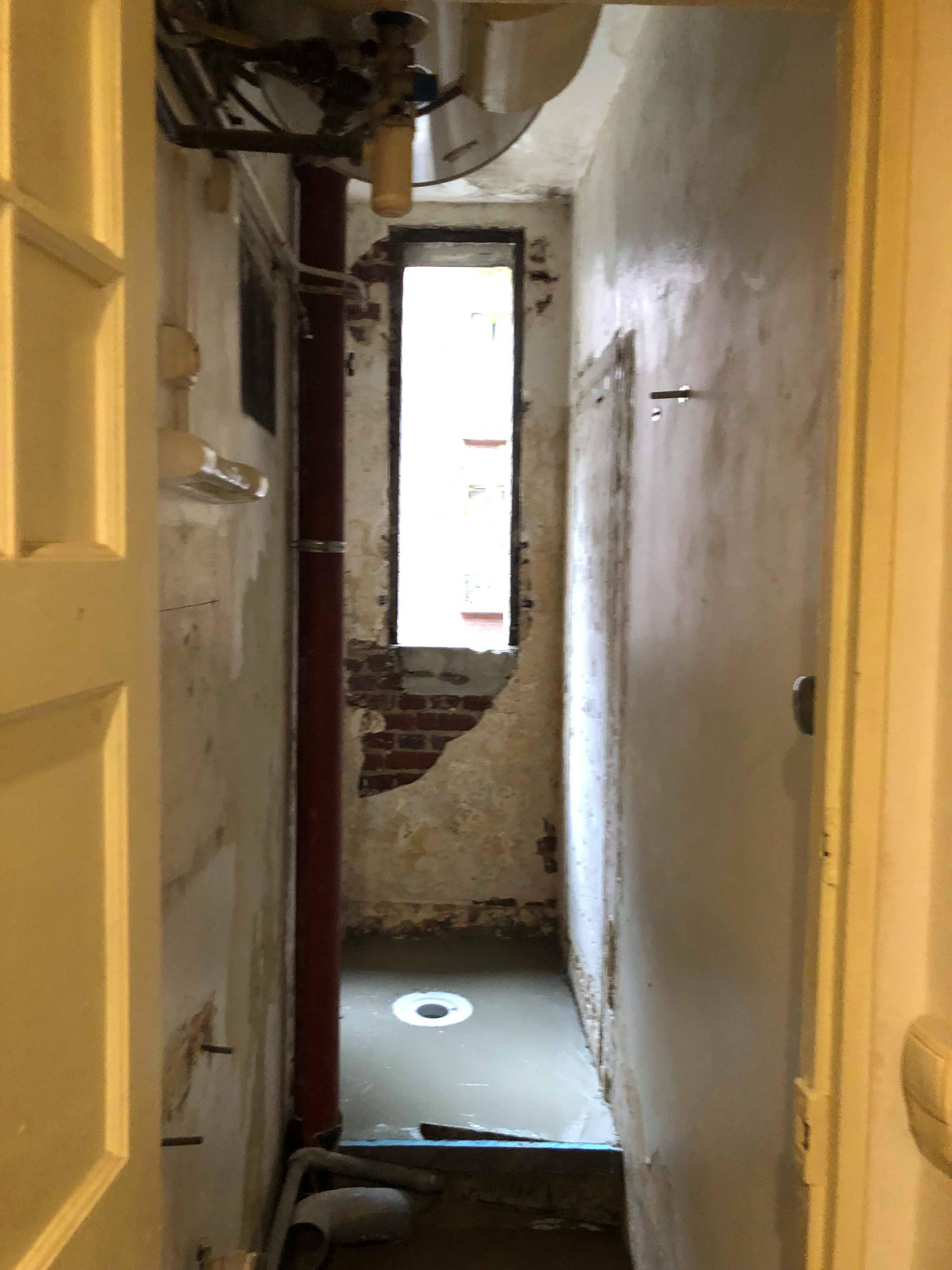 entreprise-generale-texas-batiment-mohamed-soliman-rge-travaux-renovation-salle-de-bain-carrelage-plomberie-douche-a-l-italienne-espace-moderne-sobre-6