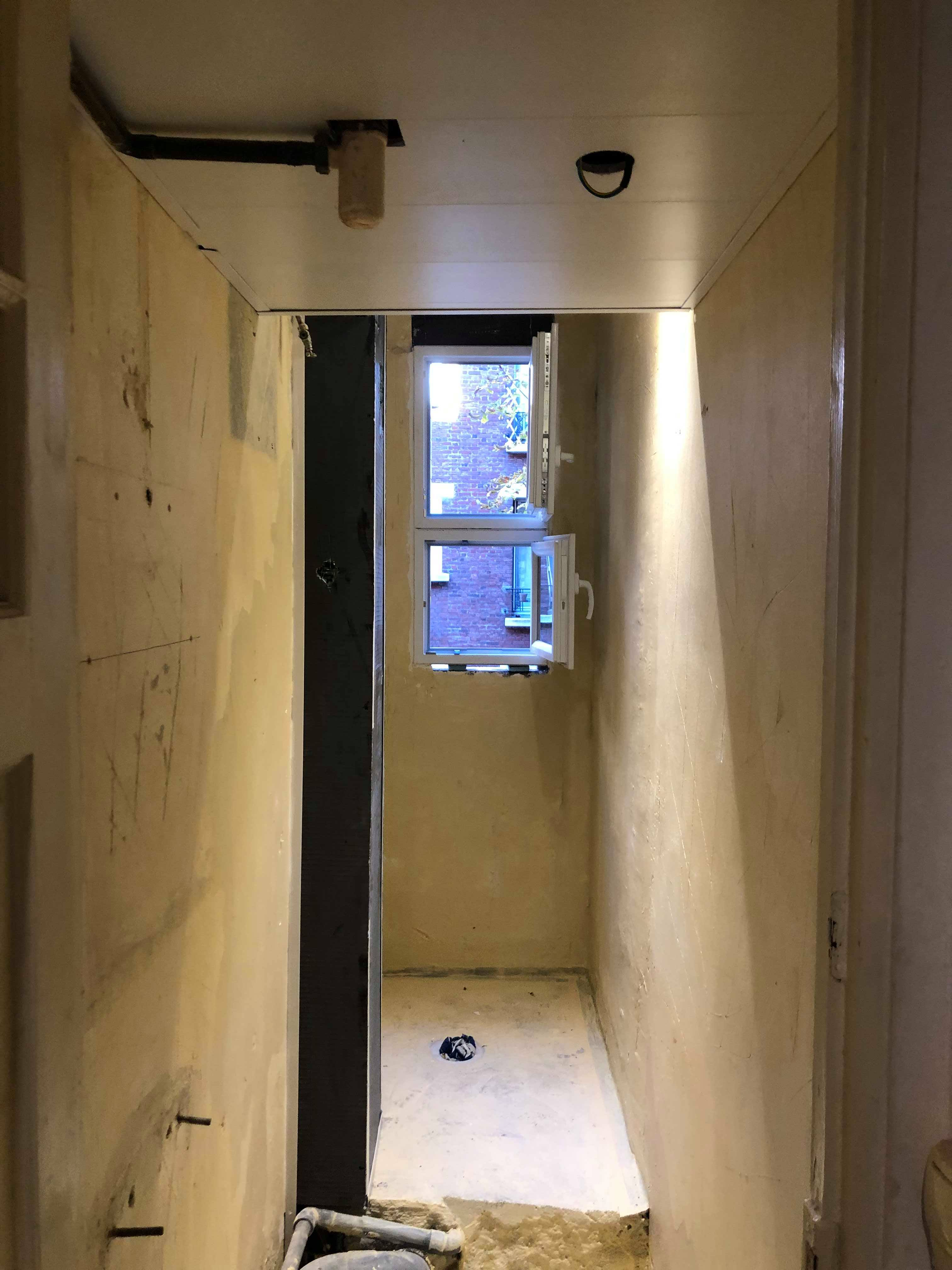 entreprise-generale-texas-batiment-mohamed-soliman-rge-travaux-renovation-salle-de-bain-carrelage-plomberie-douche-a-l-italienne-espace-moderne-sobre-8