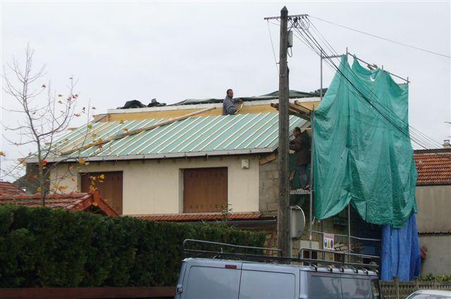 travaux-rehaussement-pavillon-11-agrandissement-couverture-charpente-toiture-tuile-texas-batiment-min