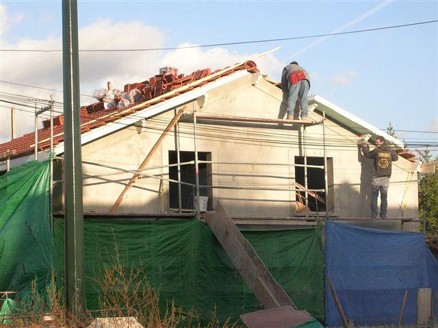travaux-rehaussement-pavillon-17.0-agrandissement-couverture-charpente-toiture-tuile-facade-avant-texas-batiment-min